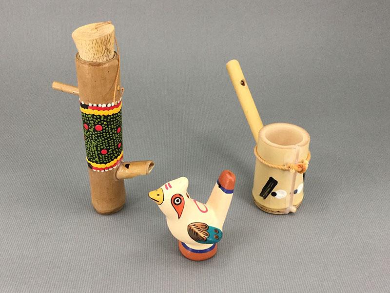 水笛:鳥のいろいろな水笛